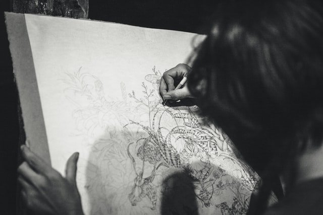 How to use charcoal sticks for drawing